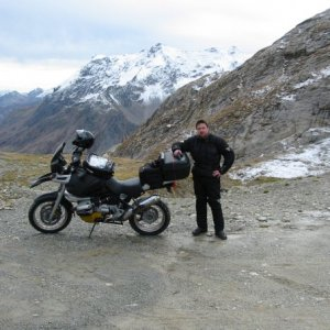 1995 R1100GS in the Alpes. November 2006